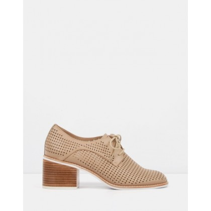 Molly Mid Heel Shoes Nude Leather by Jo Mercer