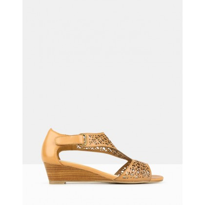 Moscow Wedge Sandals Tan by Airflex