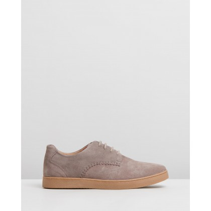 Munson Suede Shoes Taupe by Staple Superior