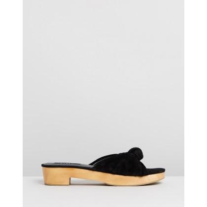 Naya Sandals Black by M.N.G