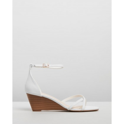 Niles Wedges White Smooth by Spurr
