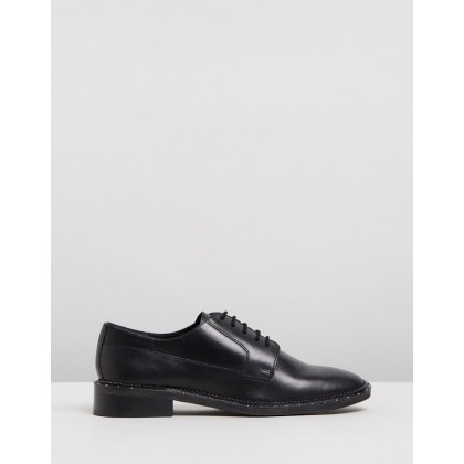 Noir Leather Low Shoes Black by Bronx
