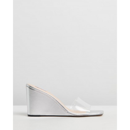 Ollie Wedges Silver & Clear by Dazie