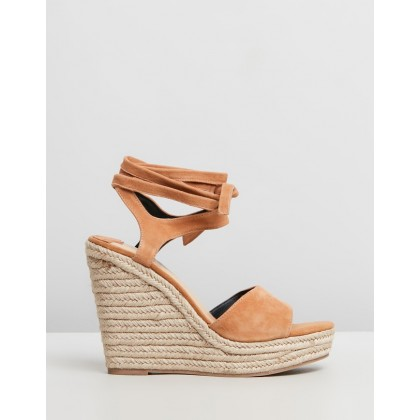 Ophelia Light Tan Suede by Siren