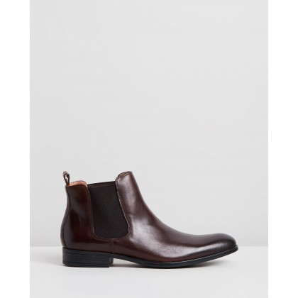 Pace Performance Chelsea Boots Brown by Jeff Banks