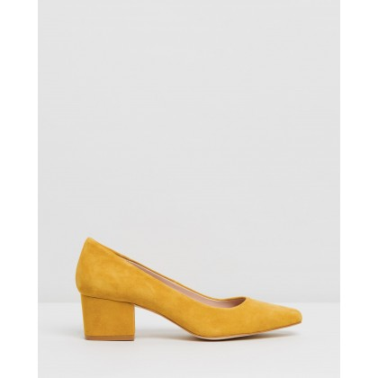 Palvin Leather Pumps Yellow Suede by Atmos&Here