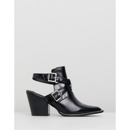 Powered Black Leather by Steve Madden
