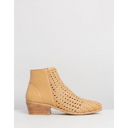Quest Natural Woven by Human Premium