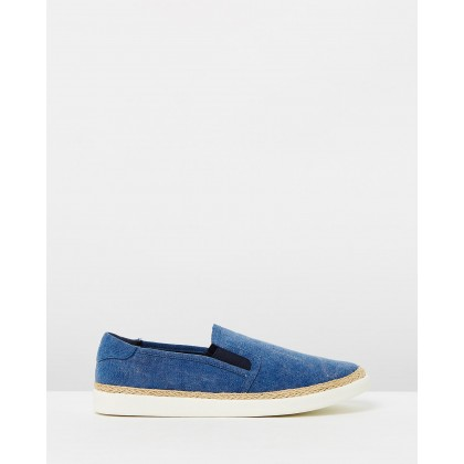 Rae Slip-On Sneakers Navy by Vionic