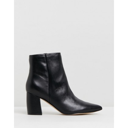Ricky Black Leather by Nine West