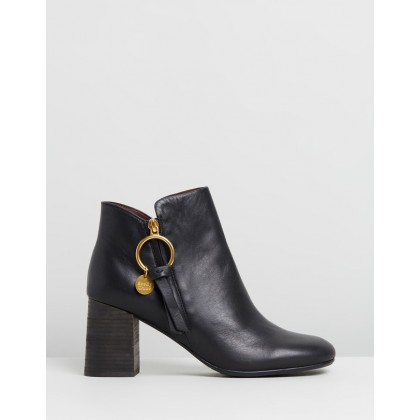 Ring Zip Pull Leather Boots Black by See By Chlo??