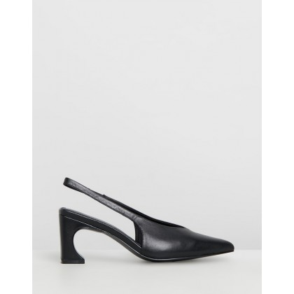 Sculpted Pumps Black by Jaggar The Label