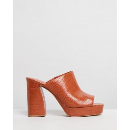 Seventy Sandals Brown by M.N.G