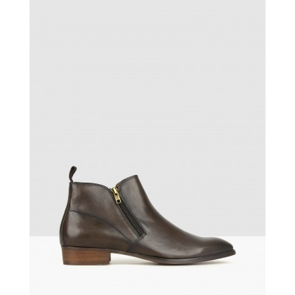Shifter Leather Dress Boots Chocolate by Zu