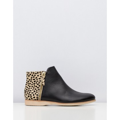 Side Zip Boots Black & Brown by Rollie