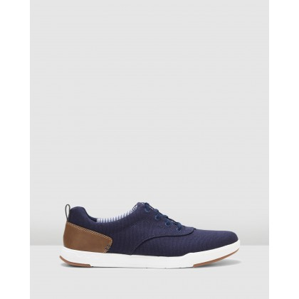 Step Isle Crew Navy Canvas by Clarks