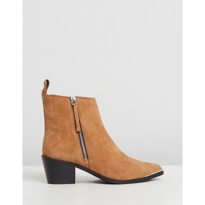 Suede Monica Boots Tan by Oneteaspoon