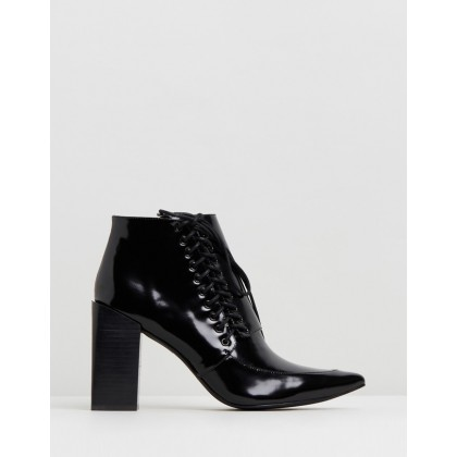 Talulah II Black by Senso