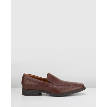 Tilden Free Brown Leather by Clarks