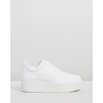 Vanpa Sneakers White Smooth by Dazie