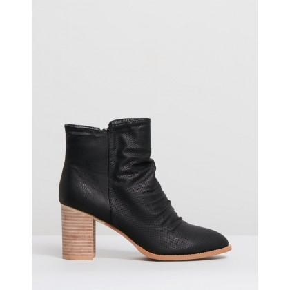 Verity Black Faux Leather by Ko Fashion