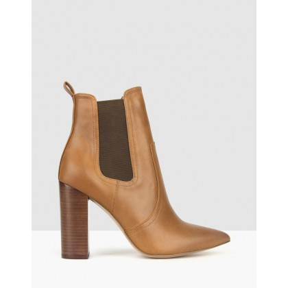 Vixen Point Toe Chelsea Boots Tan by Zu