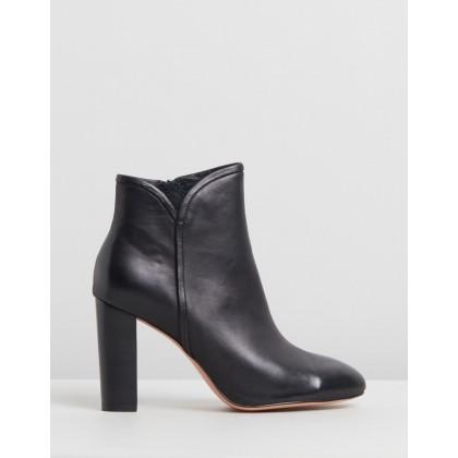 Wesleen Black Leather by Mollini