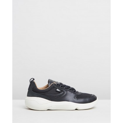 Wildcard 319 2 Sneakers - Women's Black & Off-White by Lacoste
