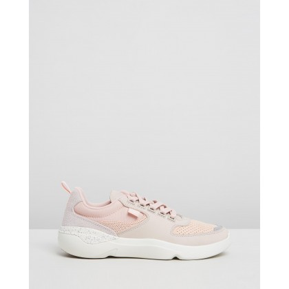 Wildcard 319 3 Sneakers - Women's Natural & Off-White by Lacoste