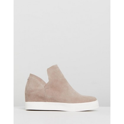 Wrangle Taupe Suede by Steve Madden