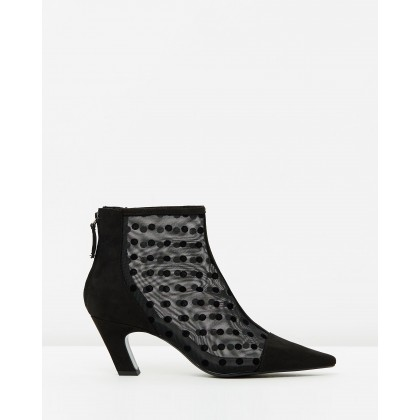 Porto Ankle Boots Black by M.N.G