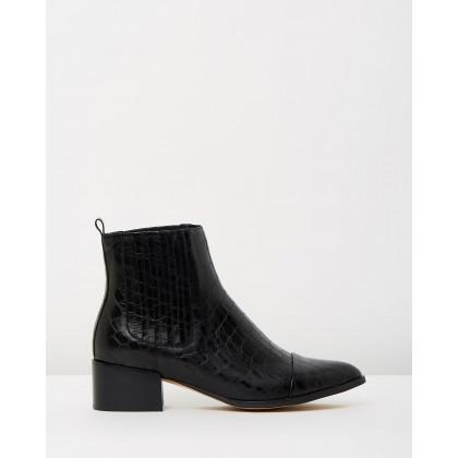 Daquri Black Croc Leather by Mollini