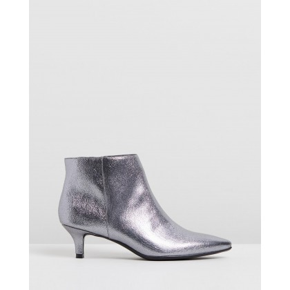 Giselle PEWTER by Naturalizer