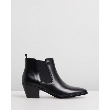 Jojo Black Leather by Nine West