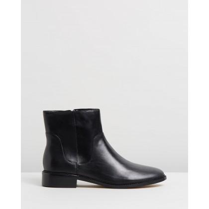 Candir Black Leather by Nine West