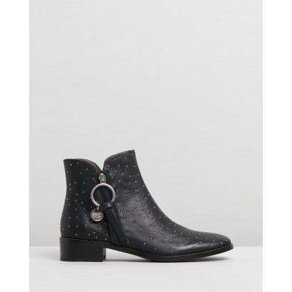 Pin Stud Boots Black by See By Chlo??