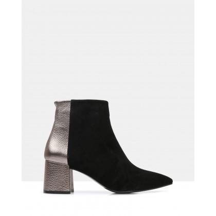 Tove Ankle Boots Black by Sempre Di
