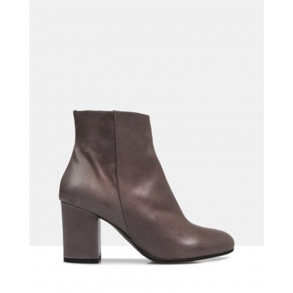 Dalya Ankle Boots Grigio by Jane Debster