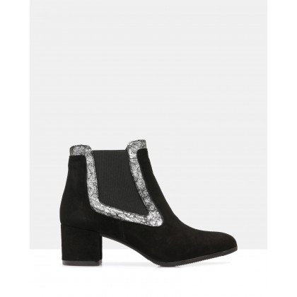 Ponsy Ankle Boots Black by Atmos&Here