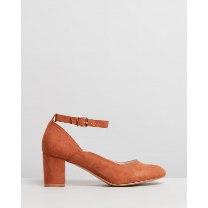 Junie Pumps Tan Micro by Spurr