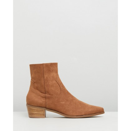 Baxter Ankle Boots Tan Microsuede by Spurr