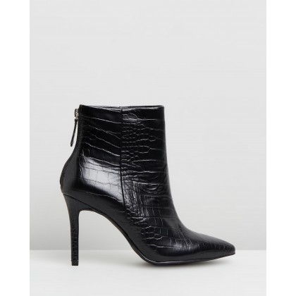Evelyn Black Croc by Therapy