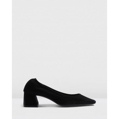 Jemima Soft Low Back Shoes Black by Topshop