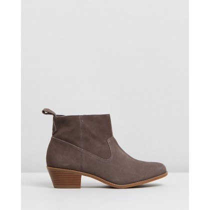 Vera Boots Greige by Vionic
