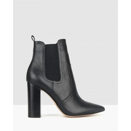 Vixen Point Toe Chelsea Boots Black by Zu