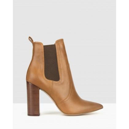 Vixen Point Toe Chelsea Boots Tan by Zu